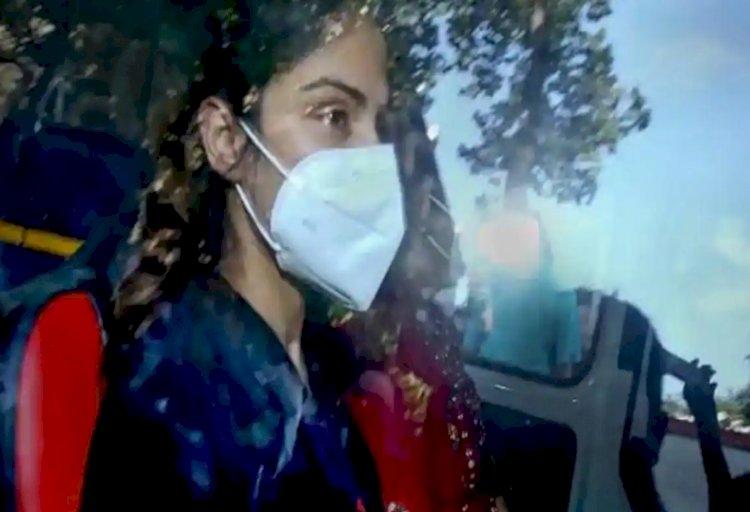 अभिनेत्री रिया चक्रवर्ती  22 सितंबर तक न्यायिक हिरासत में, नहीं मिली बेल