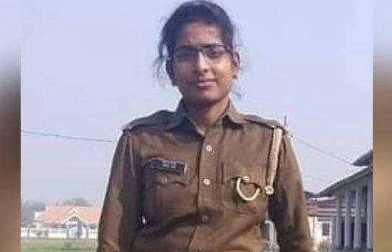 लखनऊ : महिला सिपाही ने फांसी लगाकर की आत्महत्या, मोबाइल फोन गायब