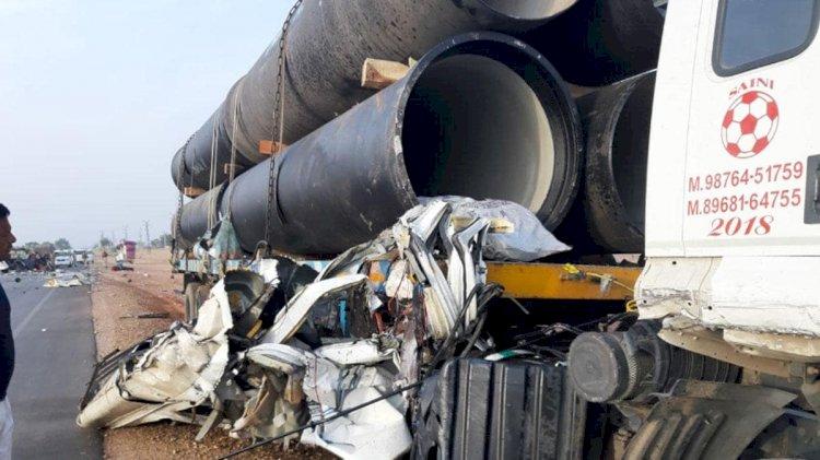 जोधपुर में दर्दनाक हादसा, टूरिस्ट बस और ट्रक की भिड़ंत, पांच लोगों की मौक, कई घायल