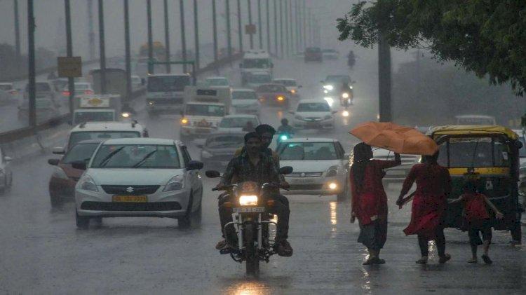 IMD Update : मुंबई में बारिश से भारी जाम, दिल्लीवालों को अभी करना होगा मानसून का इंतजार